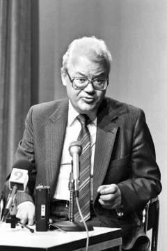 Дипломат Аркадий Шевченко стал самым высокопоставленным советским чиновником, завербованным американцами