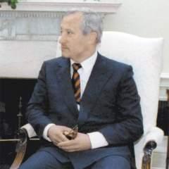 ОлегаГордиевского уже собирались назначить резидентом разведки в Великобритании, когда выяснилось, что он уже давно работает на английскую разведку. Wikipedia.org