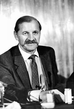 Не каждому раскаявшемуся по возвращении сотруднику КГБ вручают высшую ведомственную награду – знак «Почётный сотрудник госбезопасности»