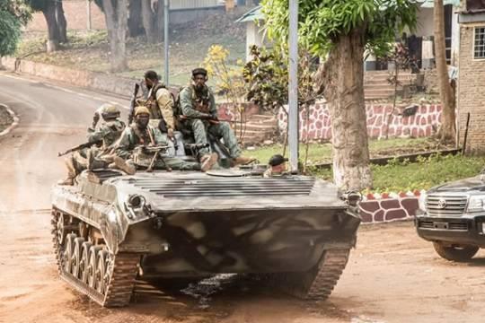 Армия ЦАР встретила колонну военной техники из Судана
