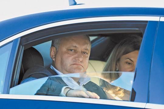 Чем может завершиться политический кризис в Кишинёве