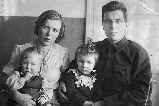 Отец погибшей участницы восхождения на Гору мертвецов Александр Дубинин сделал немало, чтобы разгадать тайну гибели группы Дятлова. Но всей правды он так и не узнал. Не знаем её и мы