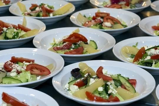 Претензии Фонтанки к реформе школьного питания устарели на год