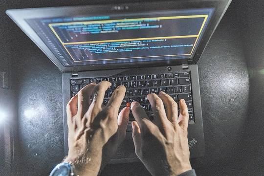 Сайт Кремля положили хакеры из США