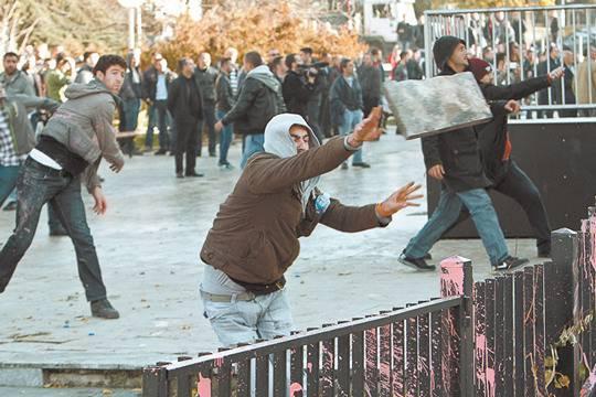 Воевать, заморозить конфликт или договориться с албанцами? Сербия ищет выход из тупика