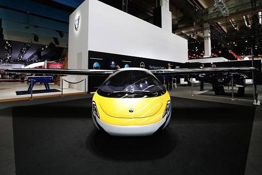 AeroMobil привезла во Франкфурт летающий автомобиль
