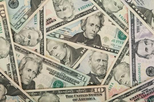 Американские миллиардеры принялись тратить деньги с благотворительных счетов