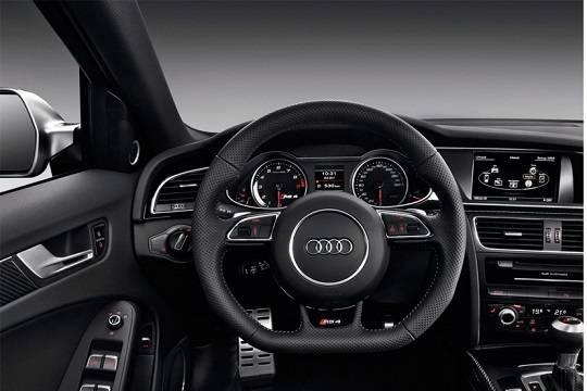 Улучшенный спорткар Ауди RS3 представлен с кузовком седан