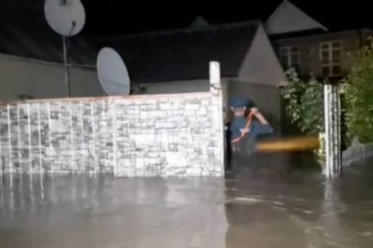 Более 40 человек эвакуировано с крыш из-за наводнения в Краснодарском крае