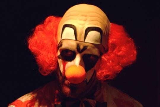 Клоун сбензопилой спровоцировал роды убеременной женщины— Несмешной цирк