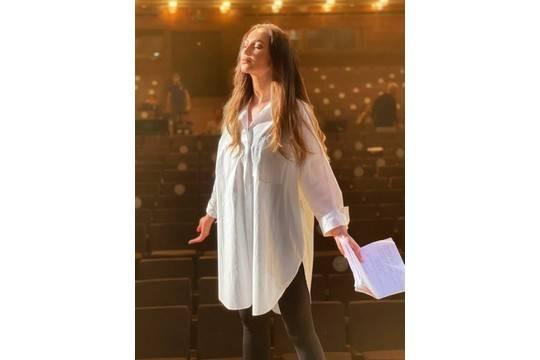 Бузова сыграет и споёт в спектакле про молодого Сталина на сцене МХАТ