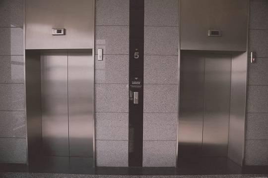 Депутат латвийского Сейма отказался от лифтов из-за нежелания кормить Россию