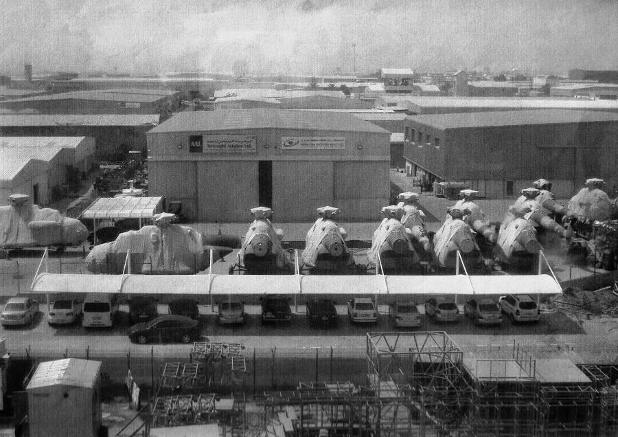 Партия новых вертолётов, предназначенных США, на площадке компании AAL Group Ltd. в Объединённых Арабских Эмиратах (фото автора)
