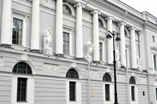 Отреставрированный фасад РНБ