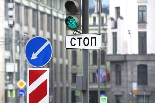 В столицу России вошла колонна военной техники, принимающая участие вПараде Победы