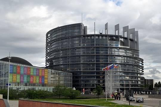 Европарламент принял план действий в случае нападения РФ на Украину