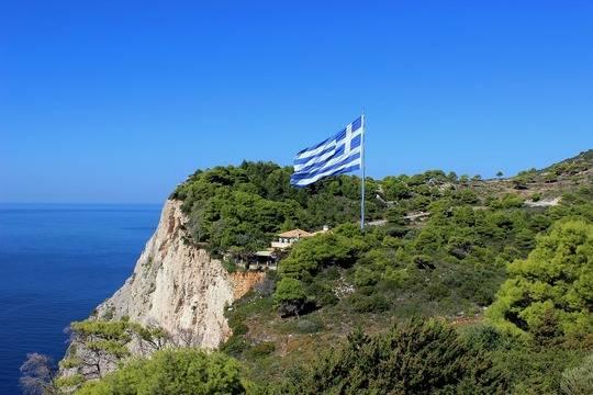 Греция с 14 мая начнёт принимать российских туристов на определенных условиях