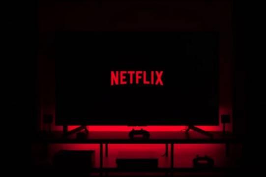 Игра в кальмара уступила первую строчку в рейтинге Netflix новому сериалу