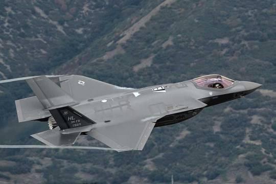 США могут дорабатывать F-35 из-за уязвимости перед C-300