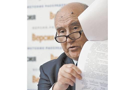 «Борец с коррупцией» – ещё бы, потерять такую должность!  Фото: Сергей Тетерин