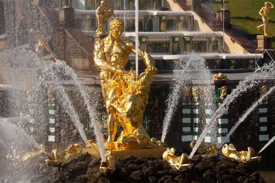 Как элитная стройка уничтожает водоемы, питающие фонтаны Петергофа