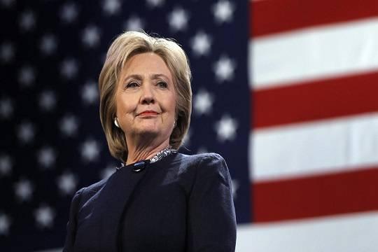 Politico: Клинтон создаст группу для противодействия Трампу