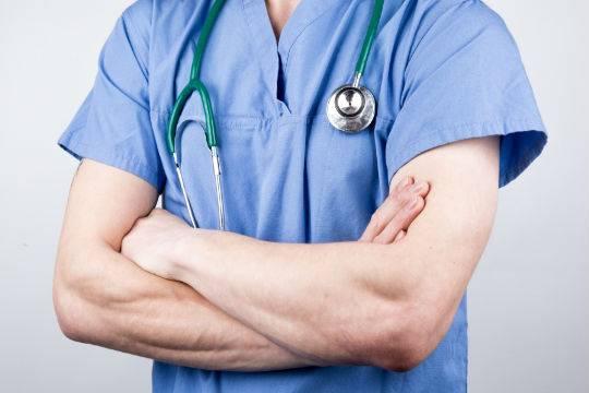 Компьютерный вирус парализовал работу трех больниц Британии