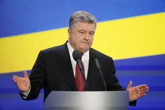 Кому достанется депутатская фракция сбежавшего за границу Петра Порошенко?