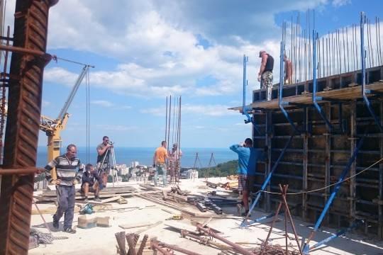 Когда стройка началась, вокруг проекта с подачи местных чиновников стали происходить настоящие чудеса