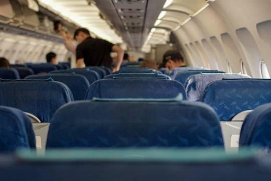 Курение на борту самолета обошлось россиянке в 200 тысяч рублей