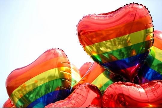 Геи и лесбиянки захотели больше гомосексуальных персонажей в кино