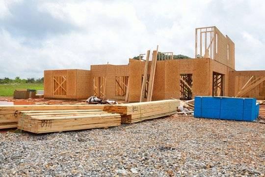 Льготную семейную ипотеку распространили на строительство частных домов