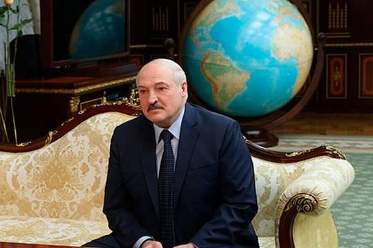 Лукашенко назвал вакханалией идею переноса из Минска переговоров по Донбассу