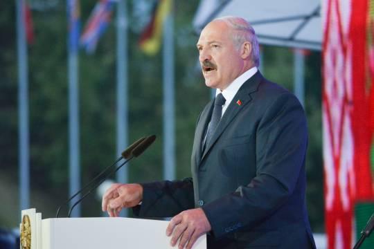 Лукашенко рассказал о нависшей над Белоруссией угрозе развала