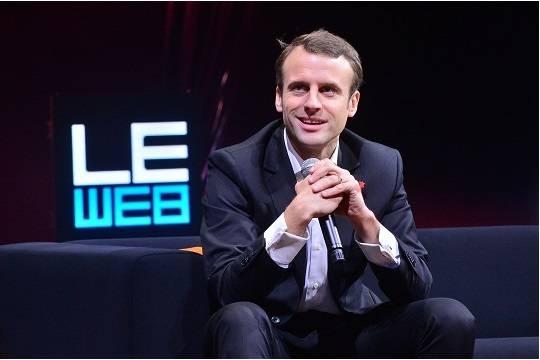 Президент Франции потратил уже больше 26 тыс. евро намакияж