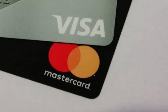 Mastercard и Visa отказались от работы с Pornhub на фоне скандала вокруг видео с детским насилием