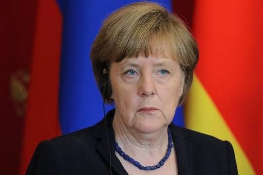 Меркель поговорит с Помпео о сотрудничестве с Россией и ситуации на Украине