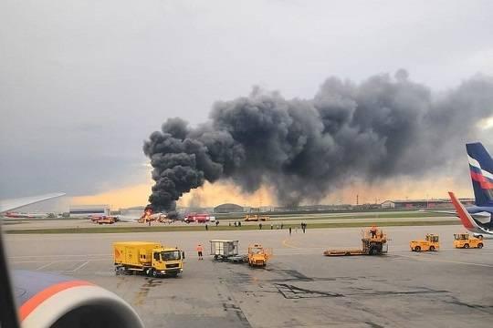Минимум 13 человек погибли в горящем в Шереметьево Суперджете Сухого SSJ-100