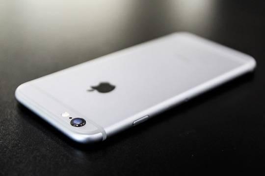 Девушка обратилась в суд из-за несовершенства iPhone 6s