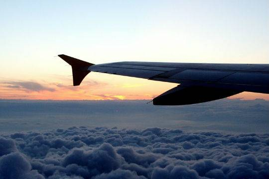 Наборту самолета, летевшего вСанкт-Петербург, погибла 30-летняя пассажирка