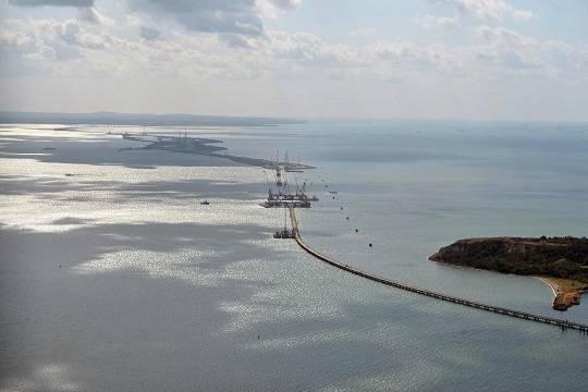 На Украине исключили проход военных кораблей через Керченский пролив