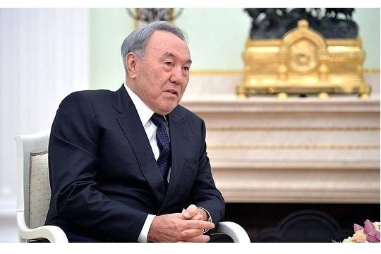 Назарбаев: Кириллица искажает казахский язык