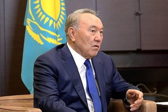 Назарбаев подписал указ об отставке правительства Казахстана