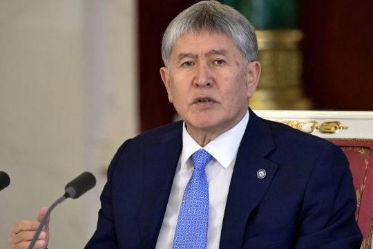 Президент Киргизии передумал ехать вСочи насаммит сПутиным