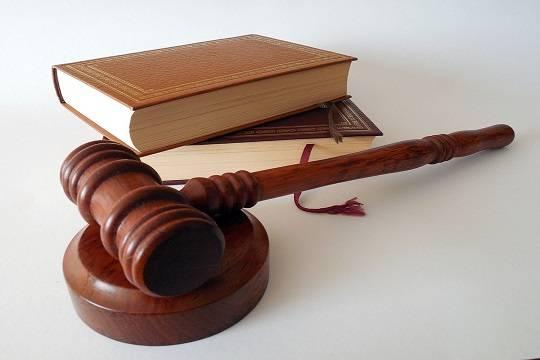 Суд оштрафовал «Новую газету» заоформление наработу Али Феруза