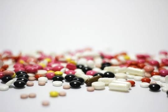 Минздрав позволит аптечным сетям торговать лекарства через интернет