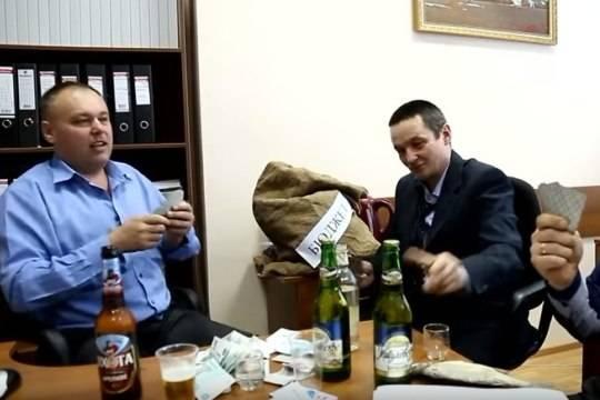 Чиновники из оренбургского минлесхоза были отправлены в отставку после скандального видео