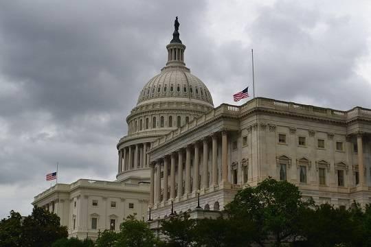 Палата представителей США проголосовала за отмену режима ЧП на границе с Мексикой