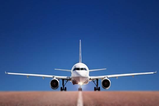 Ryanair: чтобы сэкономить набагаже пассажиры отдают чемоданы детям