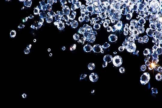Первая вмире алмазная биржа открылась вИндии
